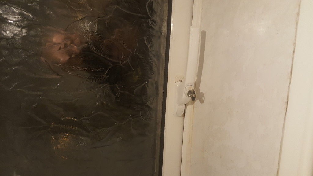 Window handle repaired